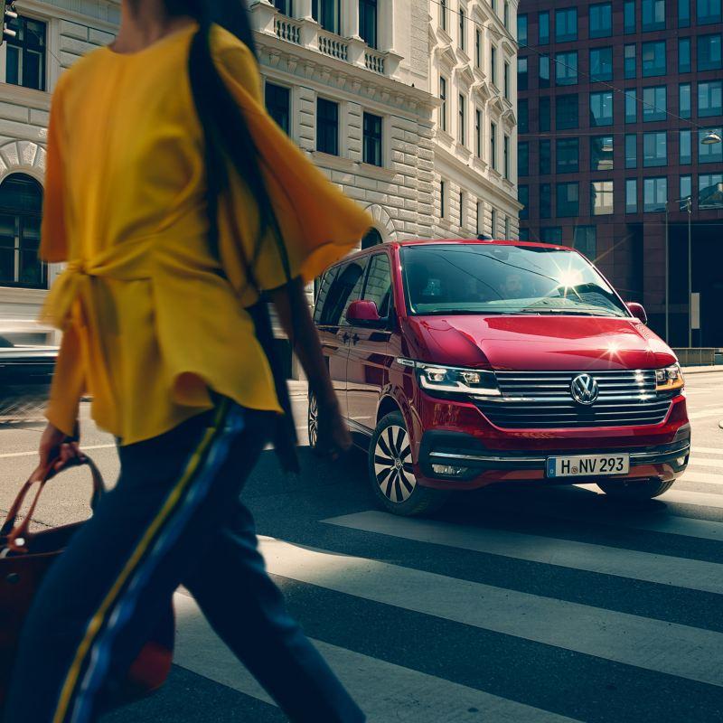 Volkswagen Multivan i stadstrafik