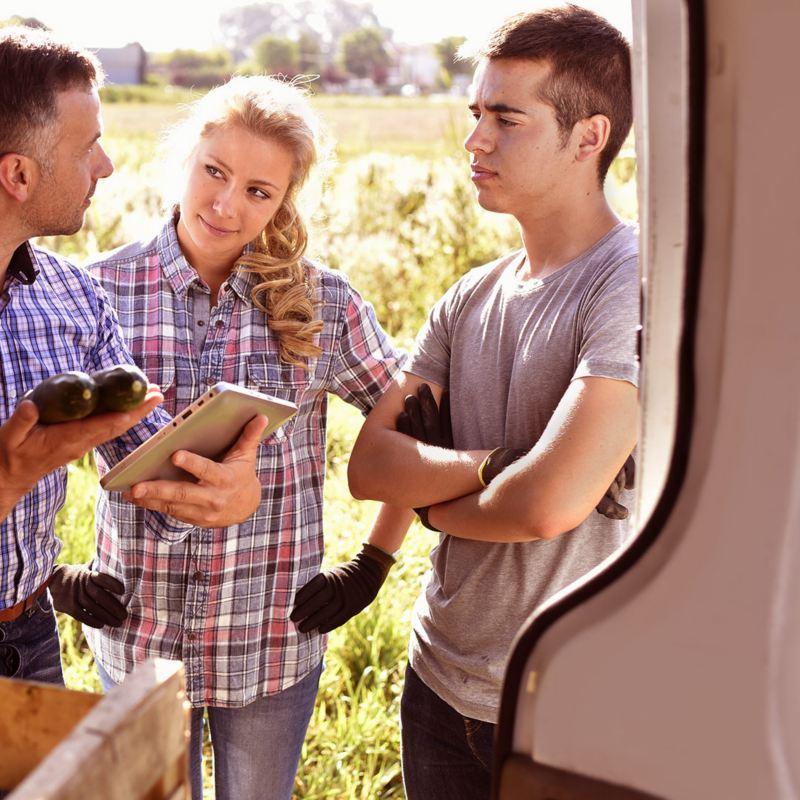 Emprendedores utilizando el crédito automotriz Pymes Benefits de Volkswagen Financial Services
