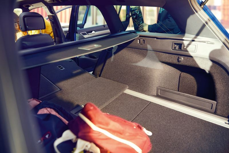 Passat luggage compartment with folded back seat
