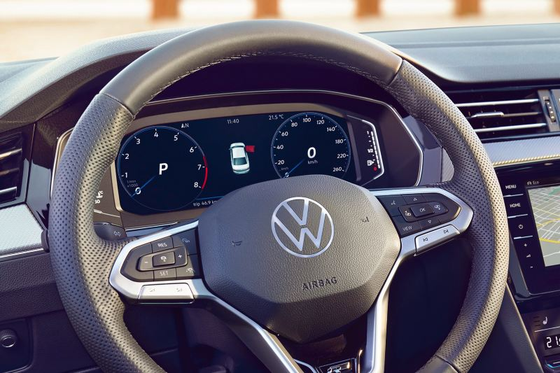 Cockpit Digital do VW Passat GTE, visualização da autonomia.