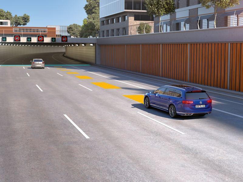 VW Passat med automatisk avståndskontroll ACC, schematisk presentation av den adaptiva hastighetskontrollen.