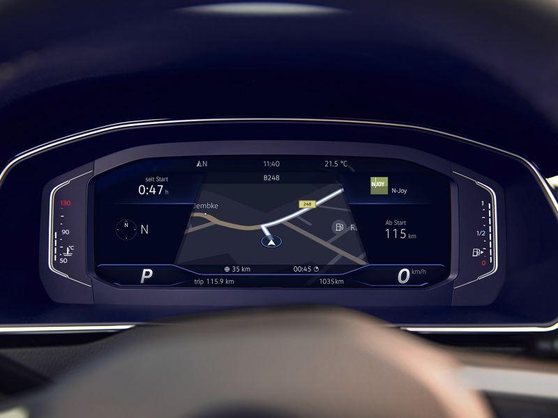 VW Passat GTE Digital Cockpit, Anzeige der Reichweite, Navigation, Kompass und Geschwindigkeit