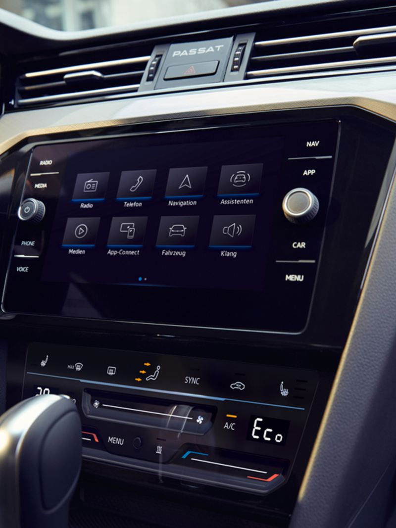 interni cockpit navigatore discover media Nuova Passat Volkswagen