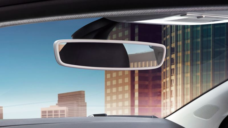 Image of the rear view mirror in the interior of a VW Polo