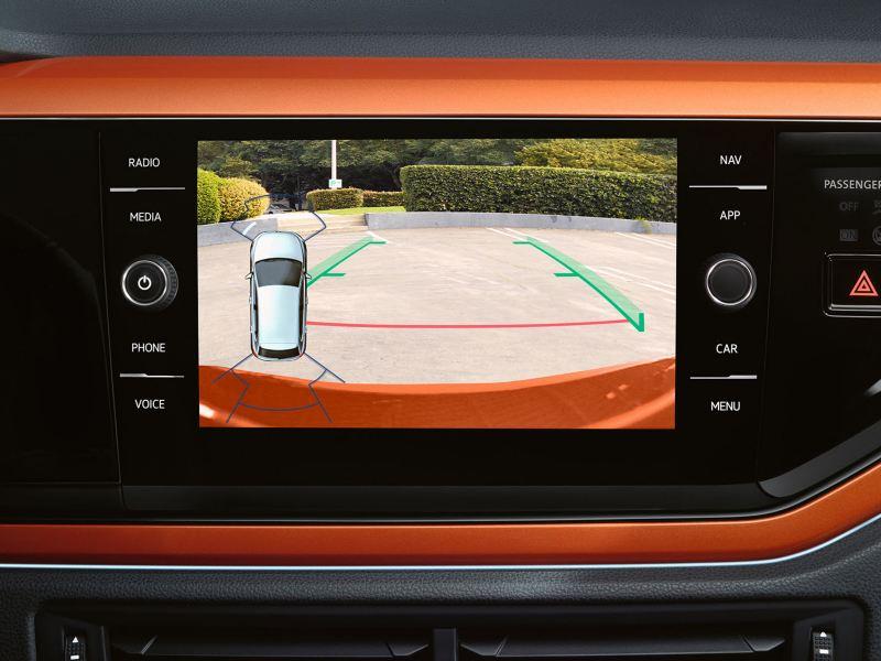 Discover Media im VW Polo, Screen zeigt das Bild der Heckkamera