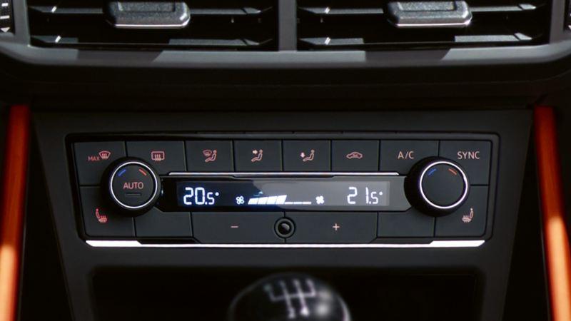"""Vista del climatizzatore """"Climatronic"""" VW di VW Polo"""
