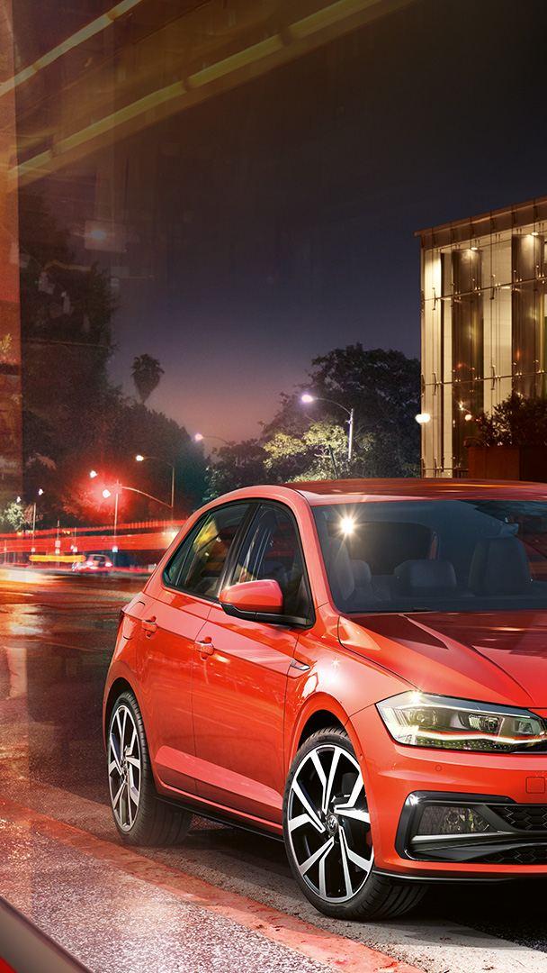 Polo GTI rouge 3/4 avant