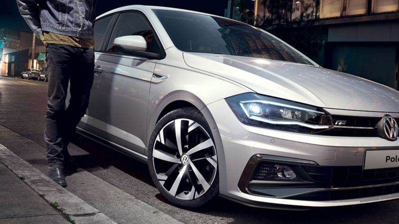 vista tre quarti anteriore di Polo Sport Volkswagen