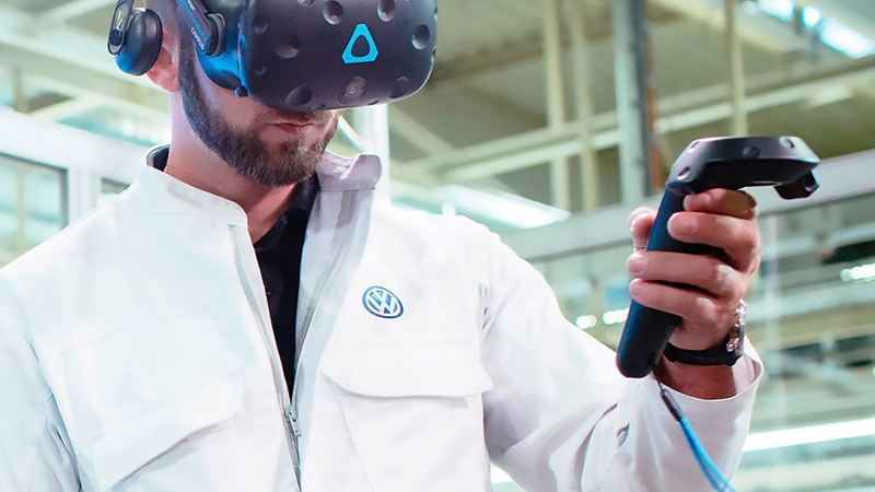 Volkswagen employees with virtual reality glasses