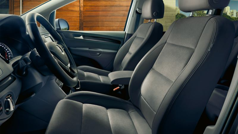Image of front seats with massage function in VW Sharan