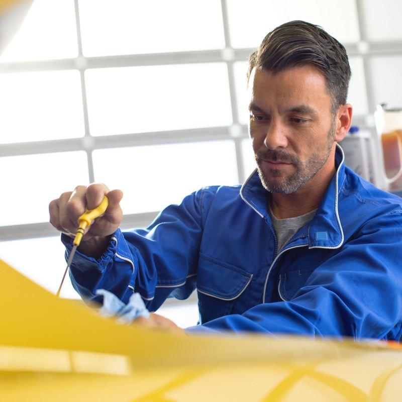 Controllo olio Volkswagen Service