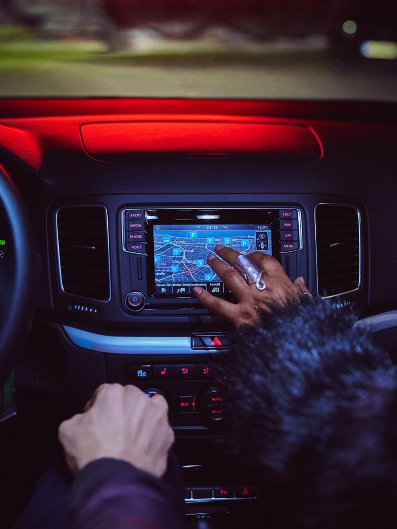 Infotainment control via touch screen