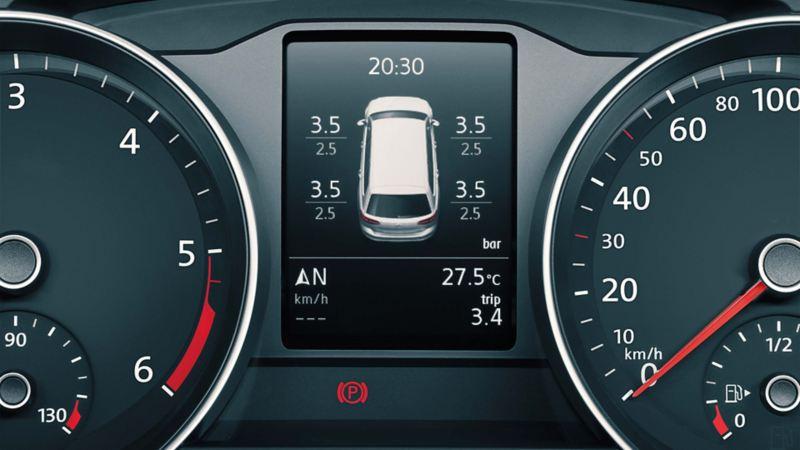 Visualizzazione del sistema di controllo della pressione degli pneumatici sul display multifunzione di Volkswagen Passat