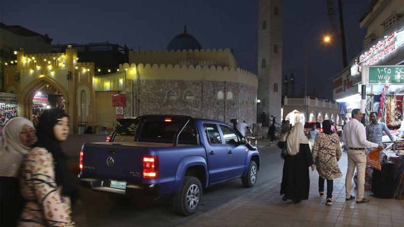 Nattliv i Oman med Amarok