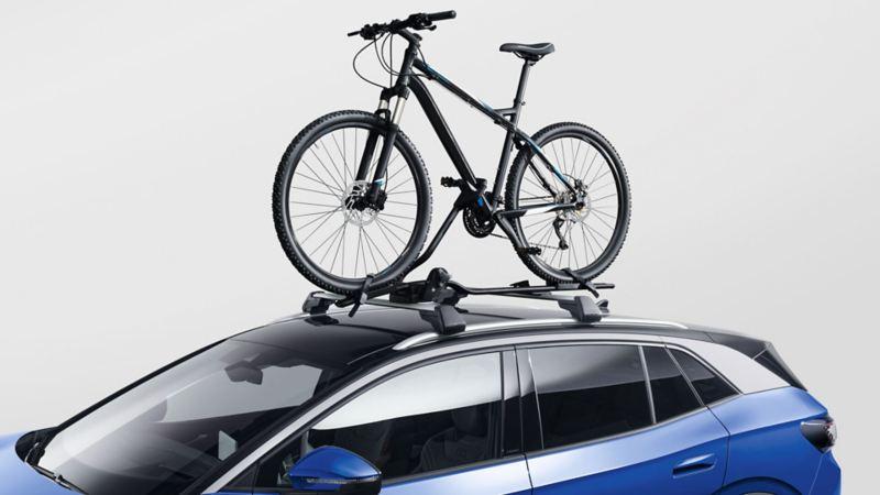 Sykkelstativ på taket til VW Volkswagen ID.4 SUV