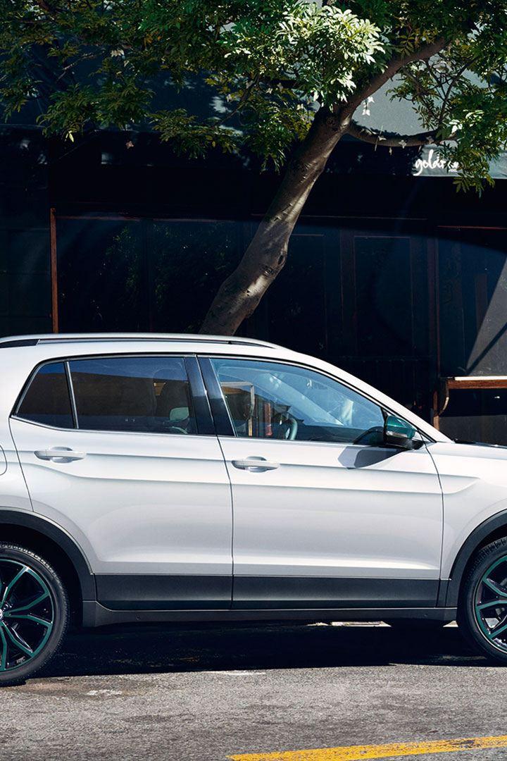 Volkswagen T-Cross parkert parkeringsplass