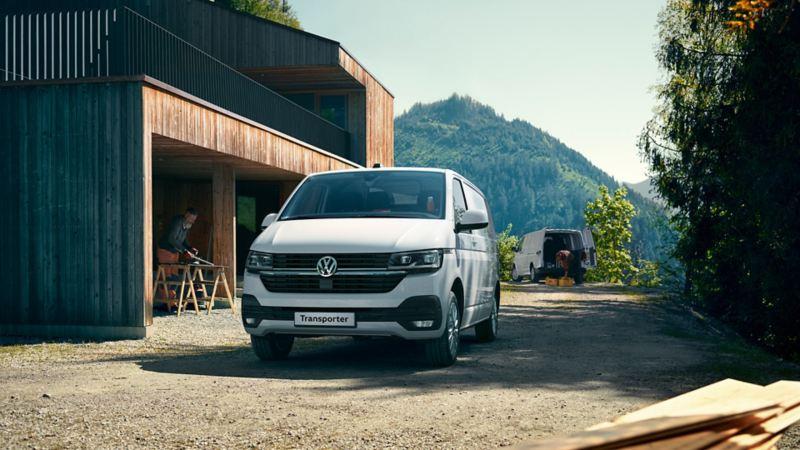 vw Volkswagen hvit Transporter 6.1 varebil kassebil arbeidsbil budbil hovedpremie Norges Hyggeligste Håndverker