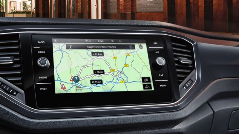 'Discover Media' navigation system with selection of functions such as radio, Car-Net or navigation