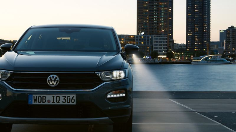 Front view of the VW T-Roc at dusk