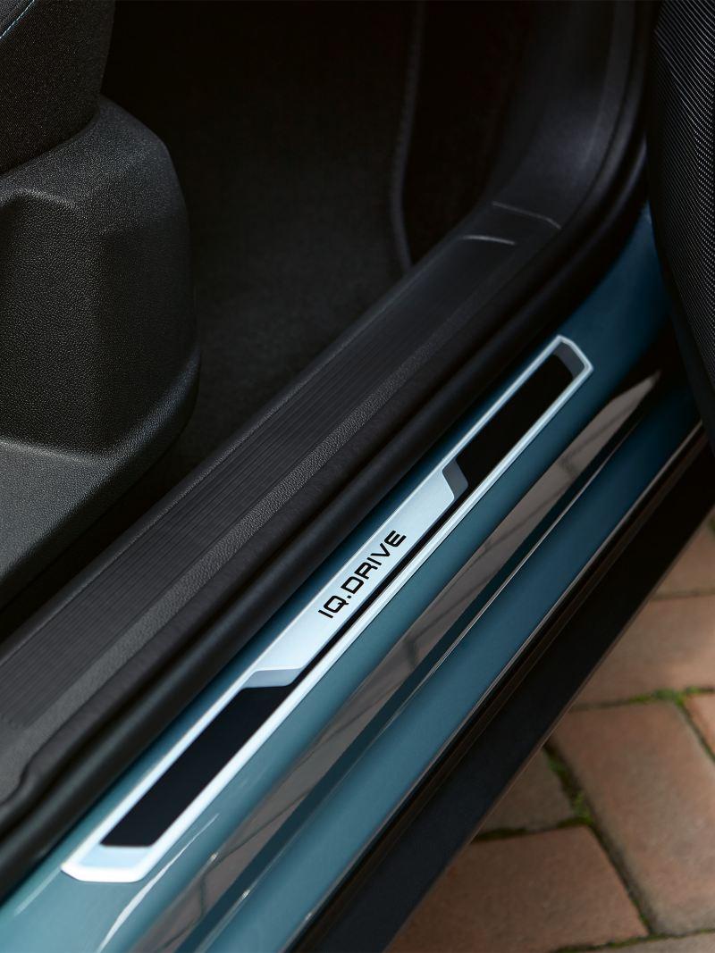 Listwa progowa T-Roca IQ.DRIVE