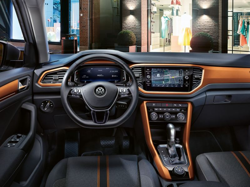 T-Roc Advance intérieur avec dash pads en energetic orange