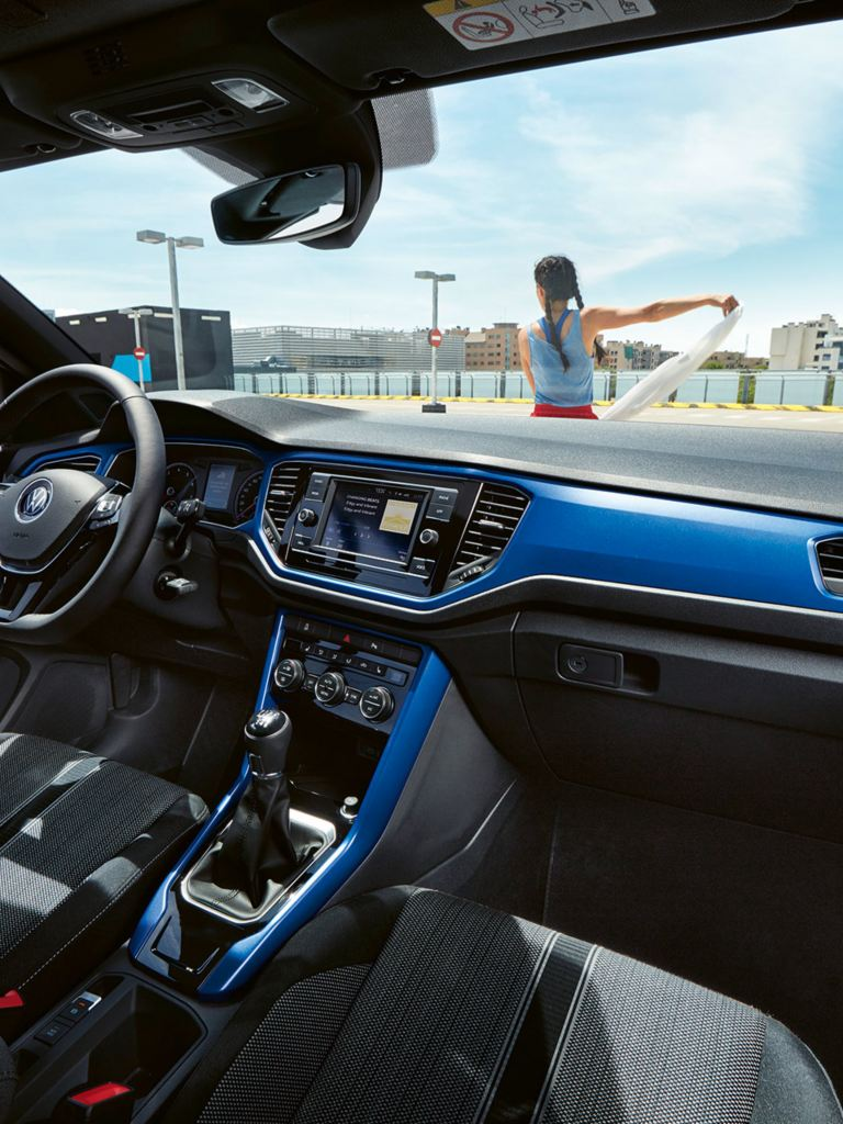 VW T-Roc Cabriolet mit Radio Composition