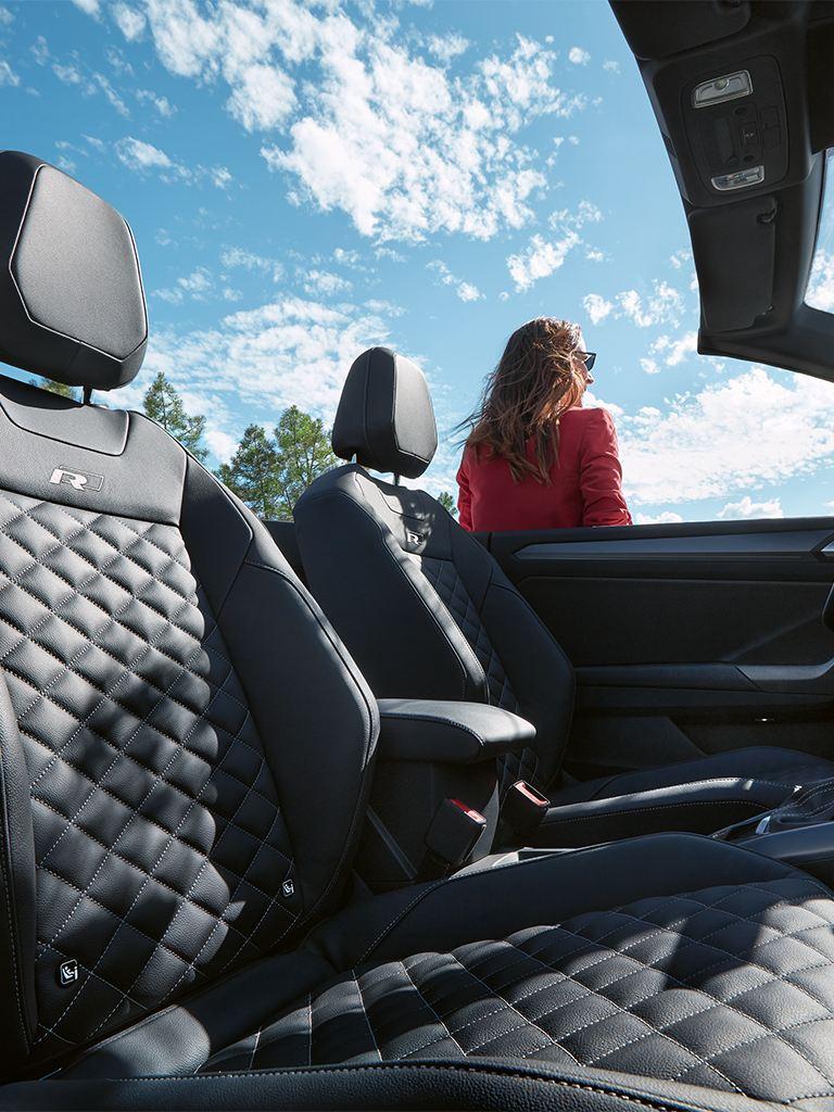 Sièges d'une VW T-Roc Cabrio R-Line.