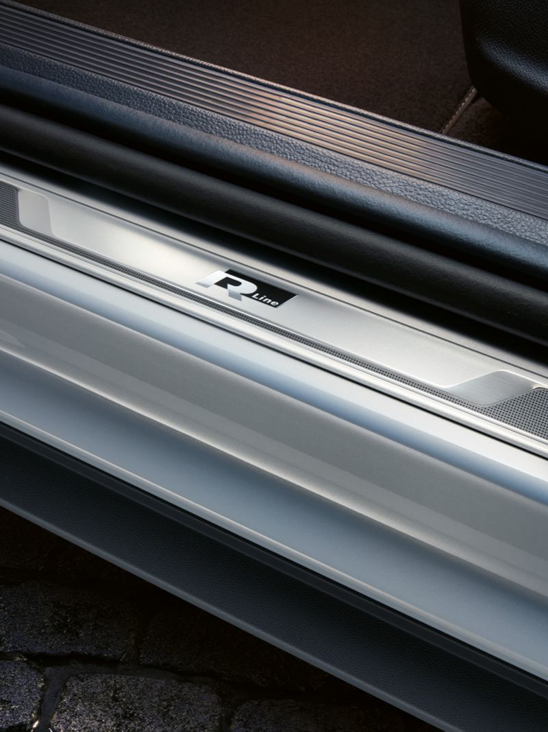 Sill panel trim with 'R-Line' lettering