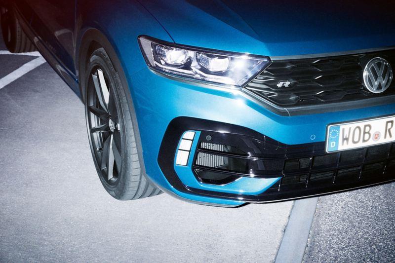 Vista de detalhe da frente do Volkswagen T-Roc R