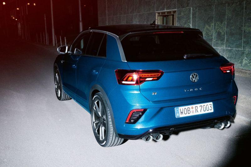 VW T-Roc R widok ukośnie od tyłu