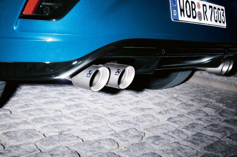 VW T-Roc R detal końcówki rur wydechowych