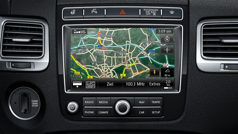 Image of the Traffic Message Channel (TMC) multimedia system in the VW Touareg