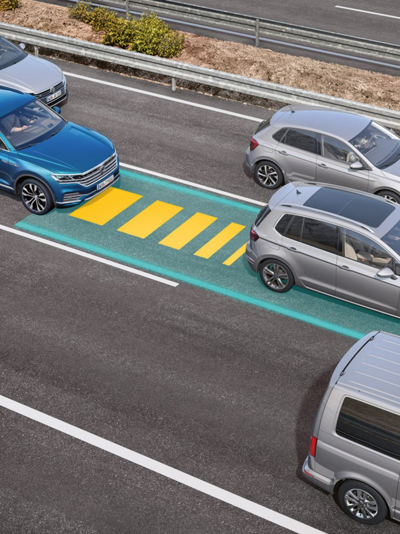 Graphic for how the Traffic Jam Assist works in the VW Touareg