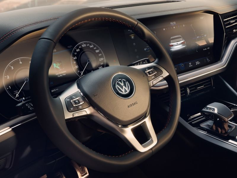 Cockpit of the VW Touareg One Million with digital instruments