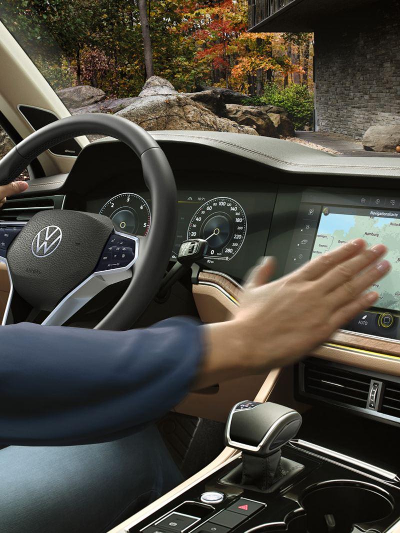 Innovision cockpit betjening uten knapper i Volkswagen Touareg