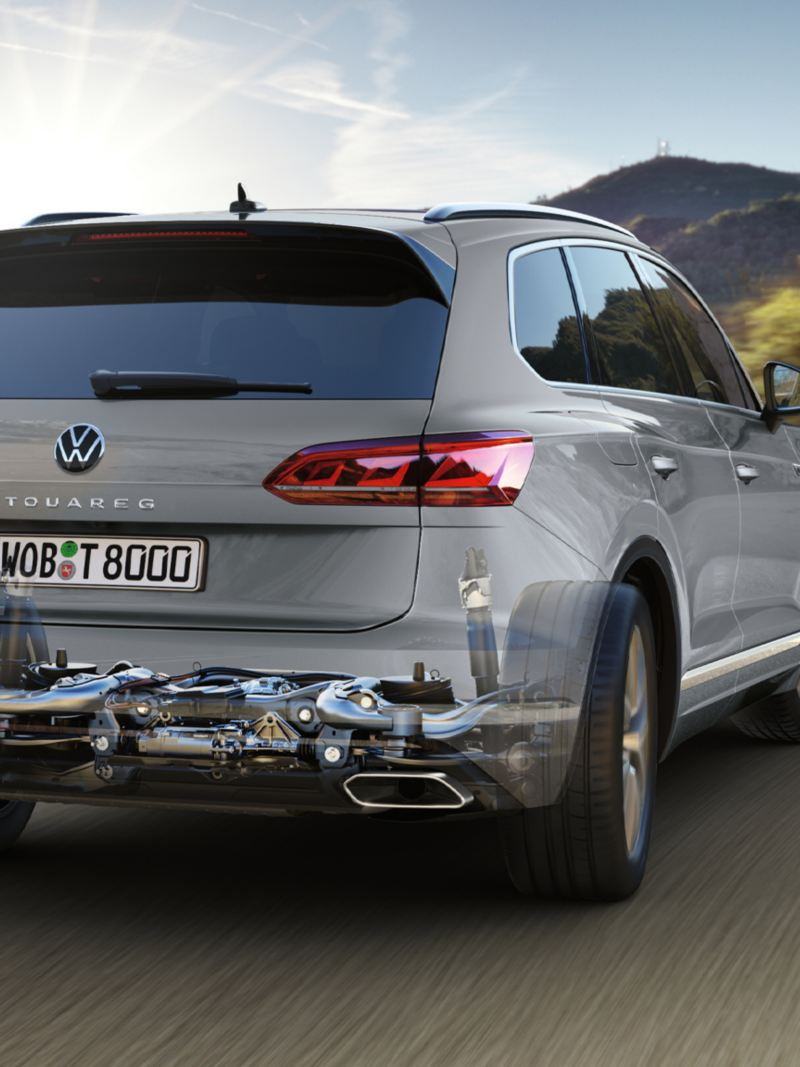 Graphic of optional all-wheel steering in the VW Touareg