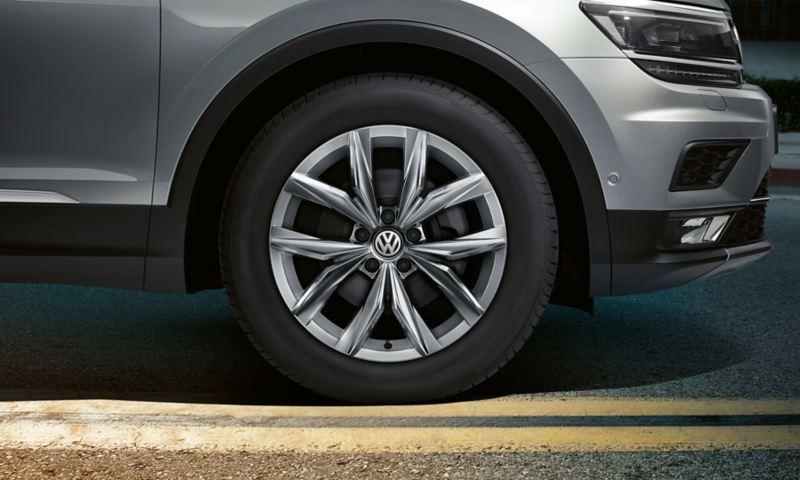 18 inch Kingston alloy wheels on the Volkswagen Tiguan
