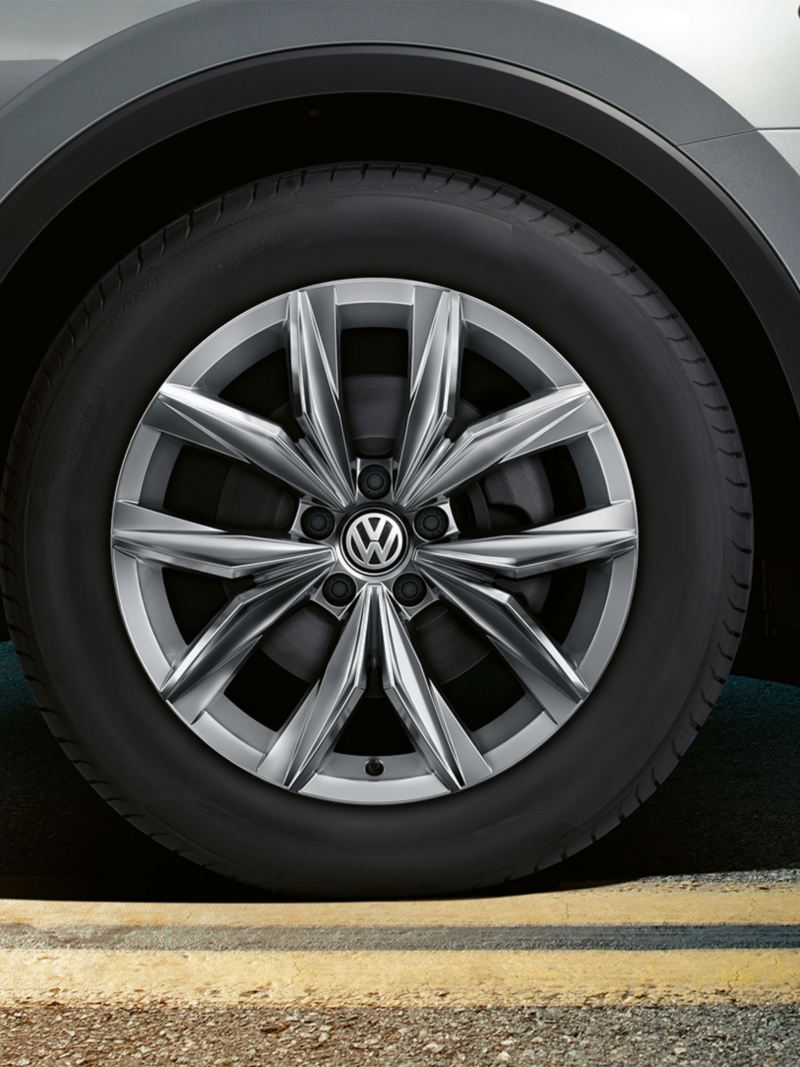 18 inch Kingston alloy wheels on the Volkswagen Tiguan