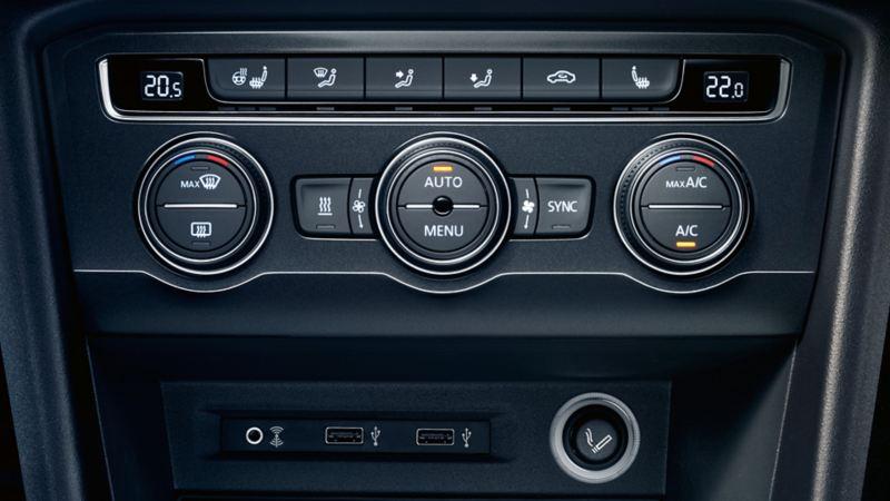 Multimediabuchse mit AUX-IN Anschluss in einem Volkswagen