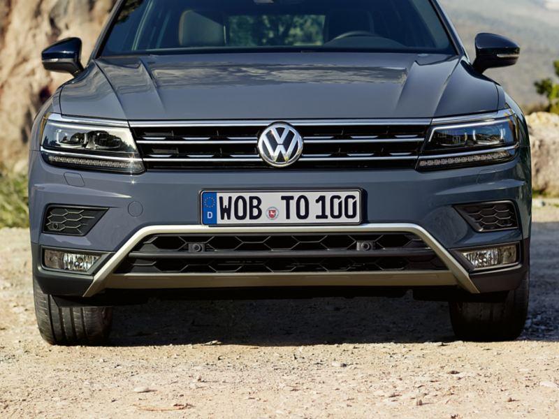 Pare-chocs avant de la VW Tiguan Offroad avec calandre chromée.