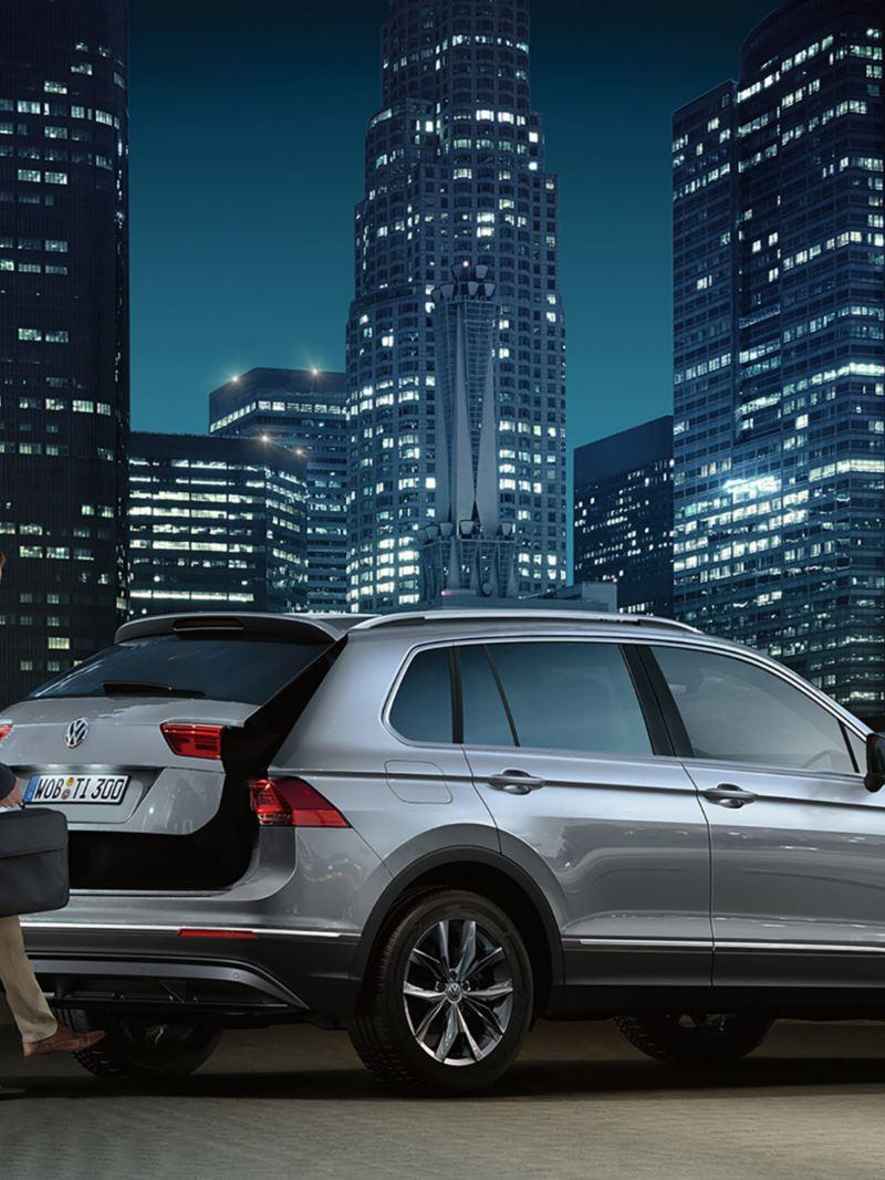 "Volkswagen  Tiguan  με λειτουργία ""Easy Open/Close"" στο χώρο των αποσκευών."