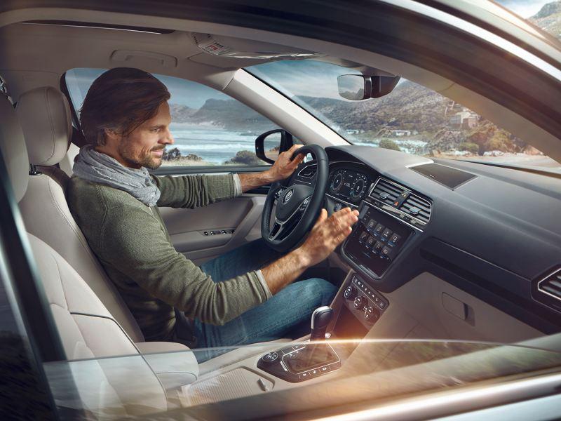 Sjåfør og passasjersete i Volkswagen Tiguan Allspace