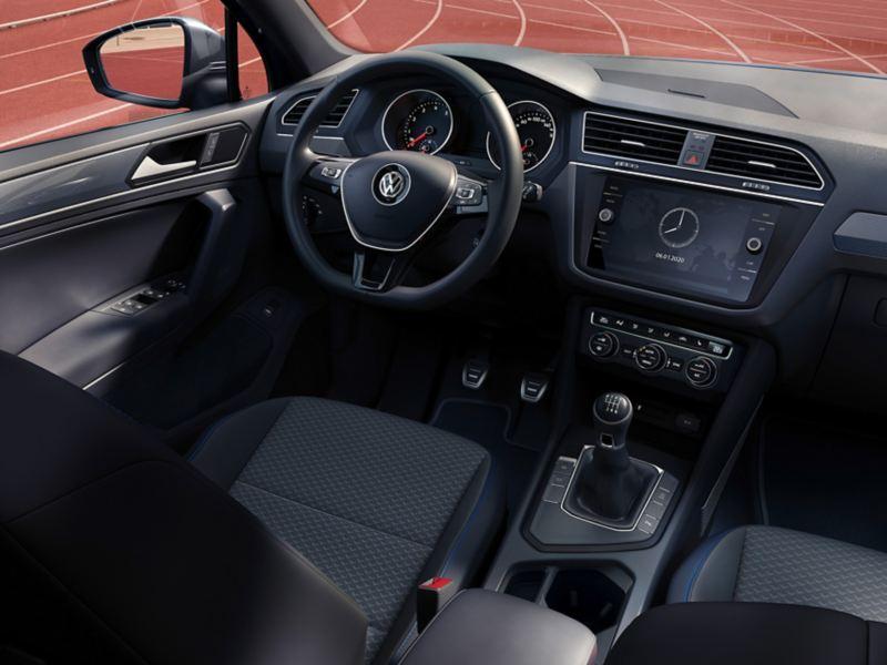 Blick auf Cockpit und Fahrerplatz des VW Tiguan Allspace UNITED