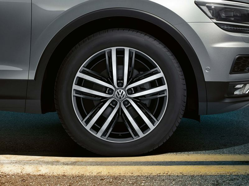 19 inch Aukland alloy wheels on the Volkswagen Tiguan