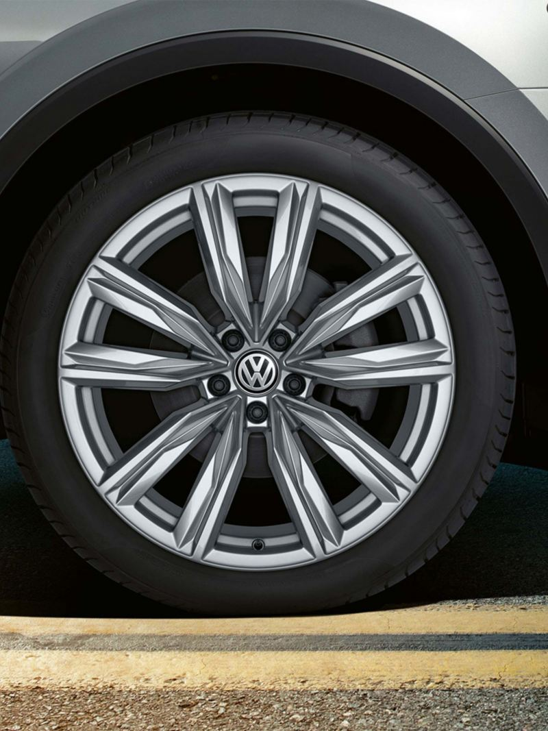 17 inch Kapstadt alloy wheels on the Volkswagen Tiguan