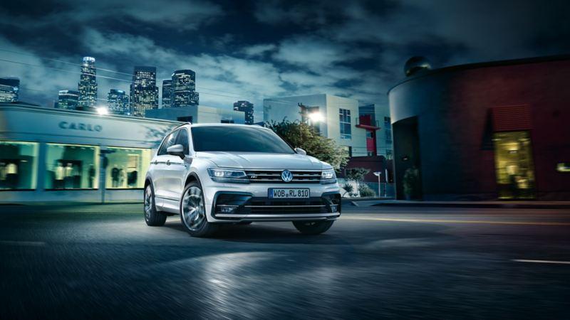 Volkswagen Tiguan R-line i en sving