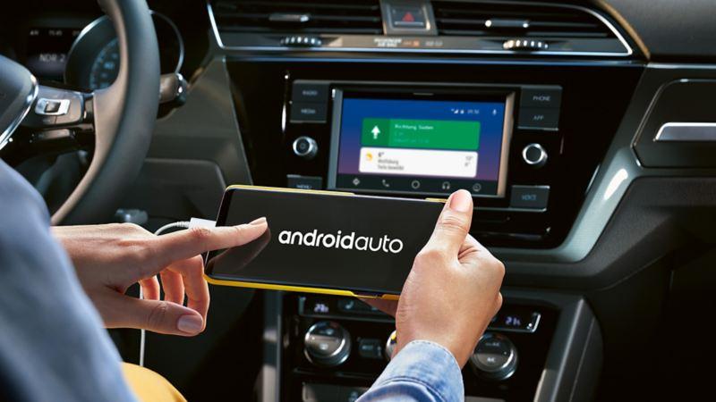 Radio Composition Media wird auf Smartphone dargestellt
