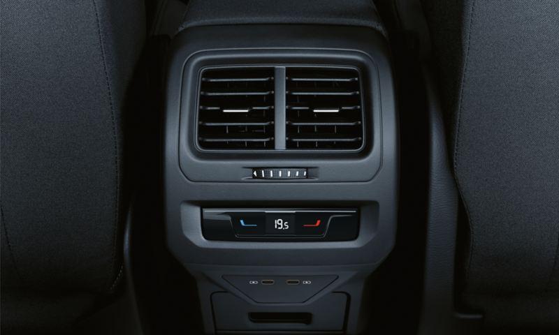 Commandes du système Air Care Climatronic à l'arrière de la VW Touran.