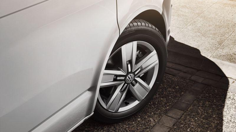 vw Volkswagen unormal slitasje leasing overdragelse leasingkontrakt privatleasing bedrift varebil leasingbil finansiering ny arbeidsbil firmabil Transporter kassebil