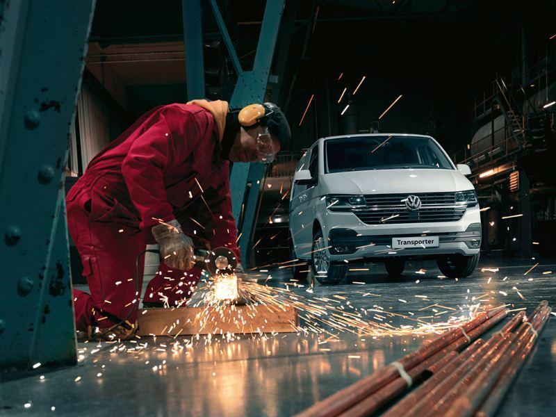 vw Volkswagen hvit Caddy varebil liten kompakt 3-seter tilbud kampanje høstkampanje ekstrautstyr